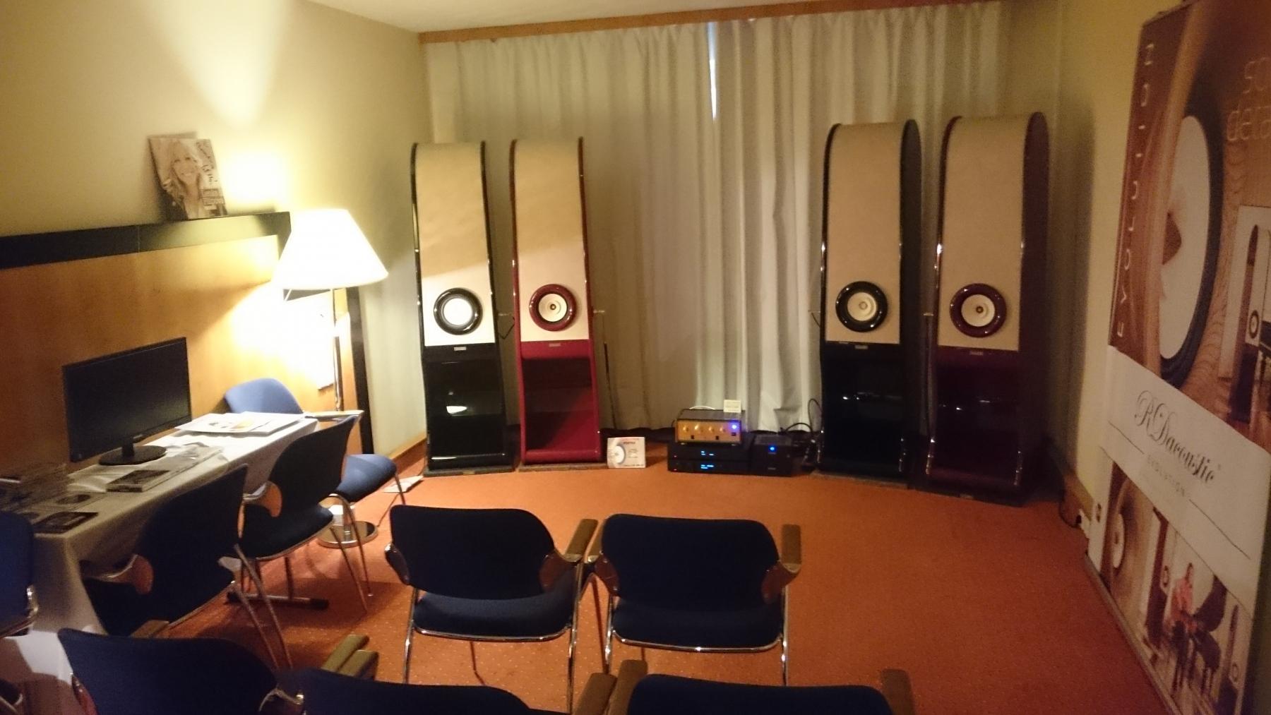 RDacoustic-Evolution-speakers-stereo-2.0-Prague-Audio-Video-Show-2016-Voxativ