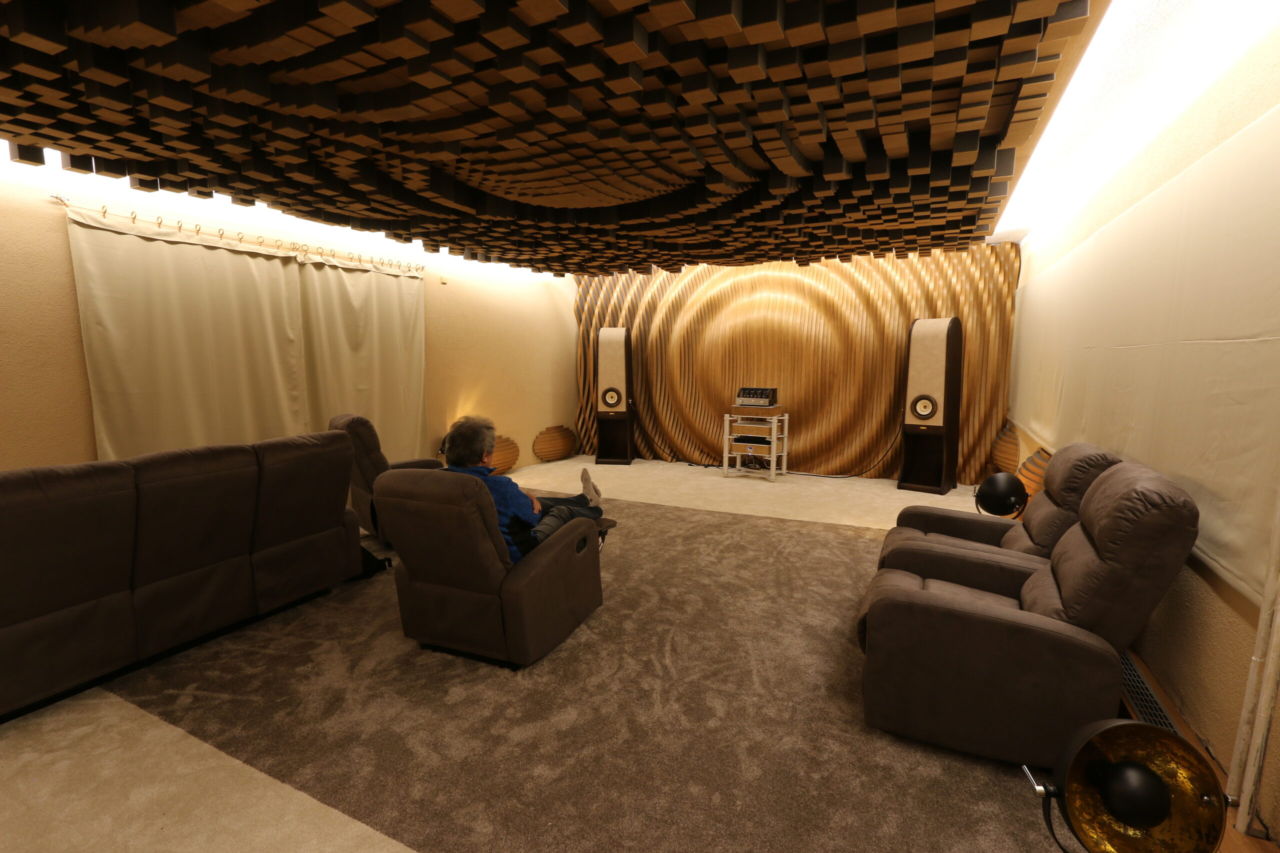 RDacoustic-fine-tuning-room-acoustic-test-scaled.jpg