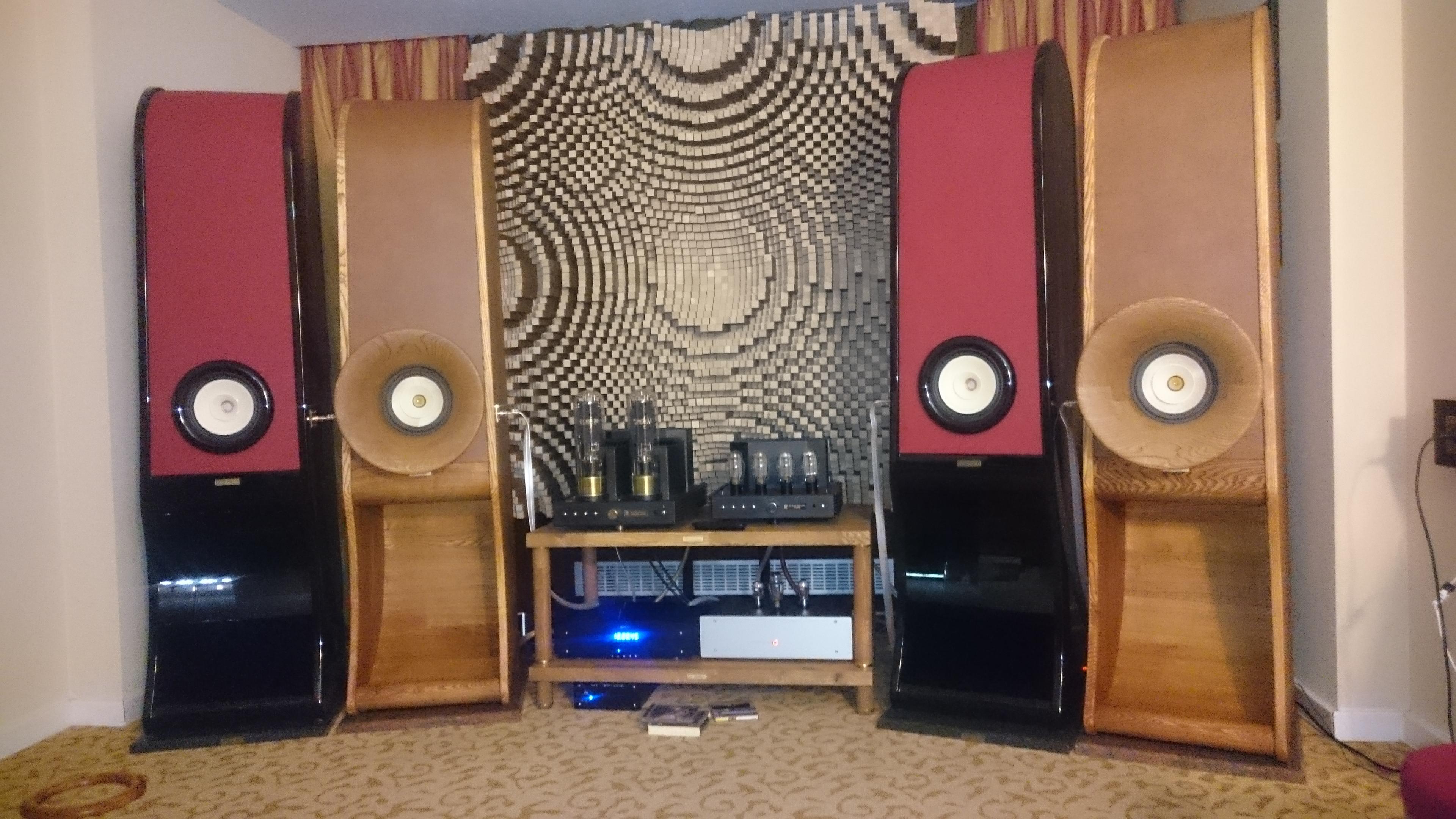 RDacoustic reproduktorové soustavy Evolution stereo 2.0 Budapest 2016 audio show Lampizator KRaudio Kronzilla