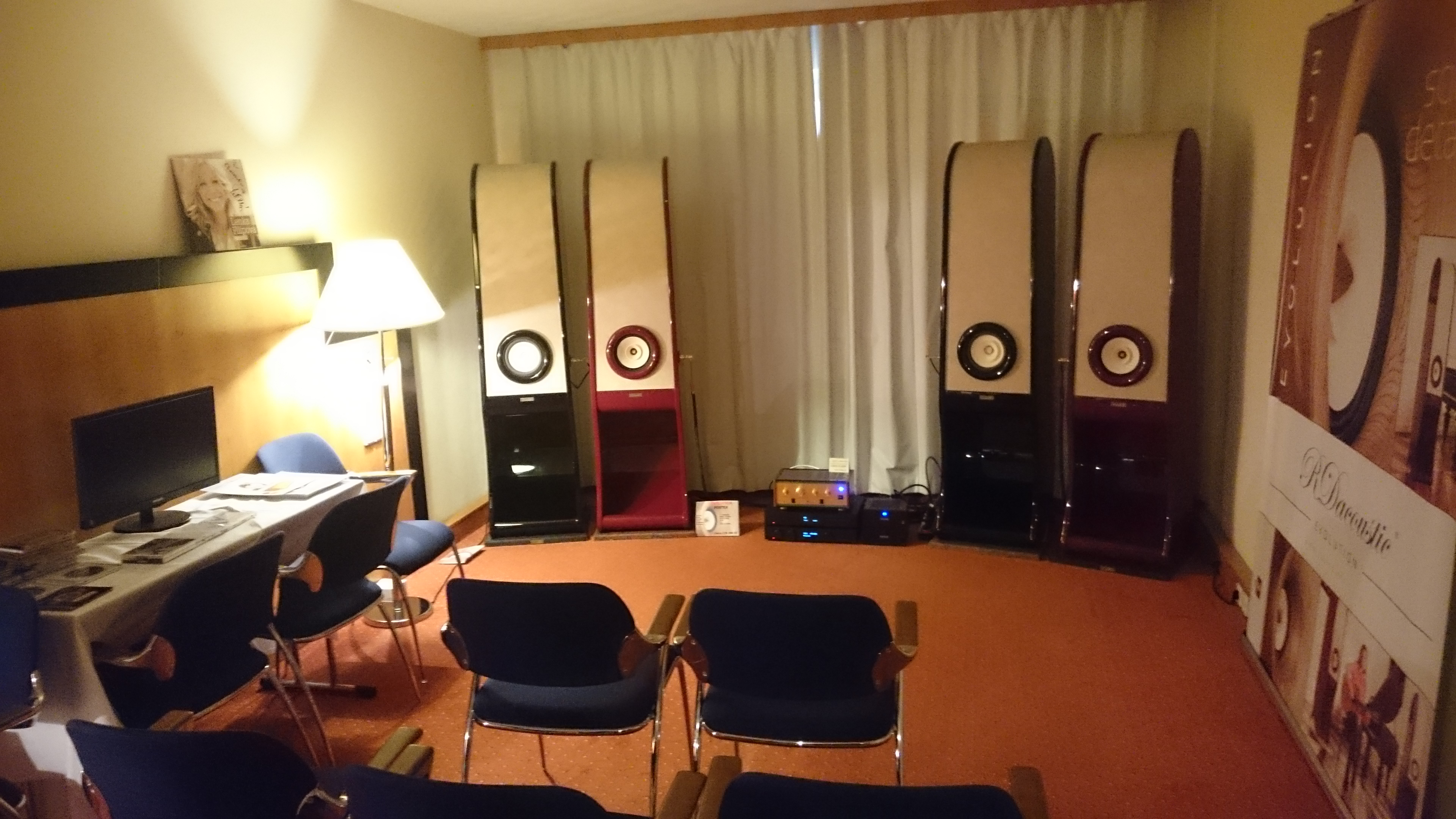 RDacoustic Evolution speakers stereo 2.0 Audio Video Show 2016 Praha Voxativ AC1.6