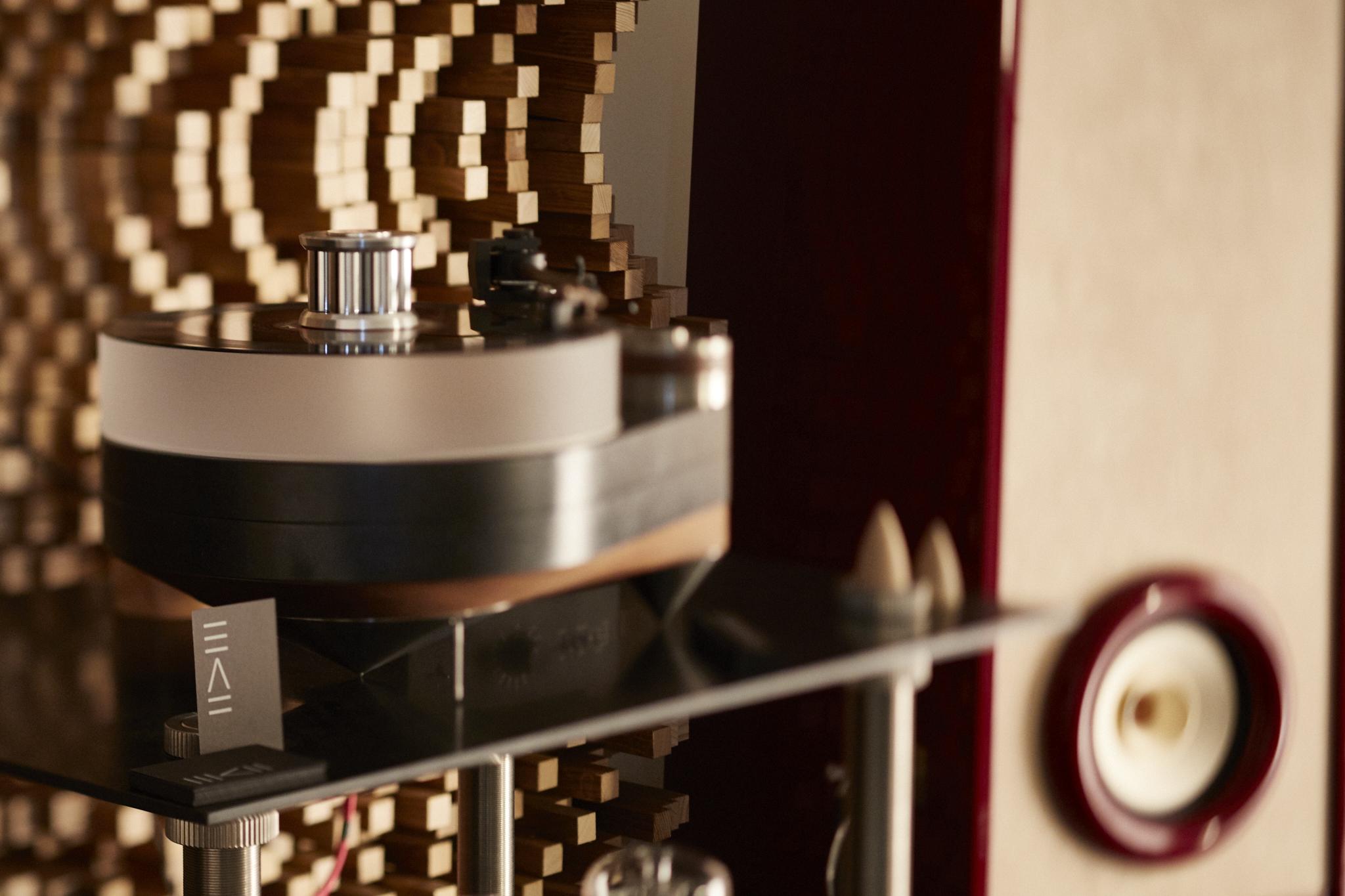 RDacoustic reproduktorové soustavy Evolution stereo 2.0, Kronzilla, 440 turntable High-End Mnichov 2016