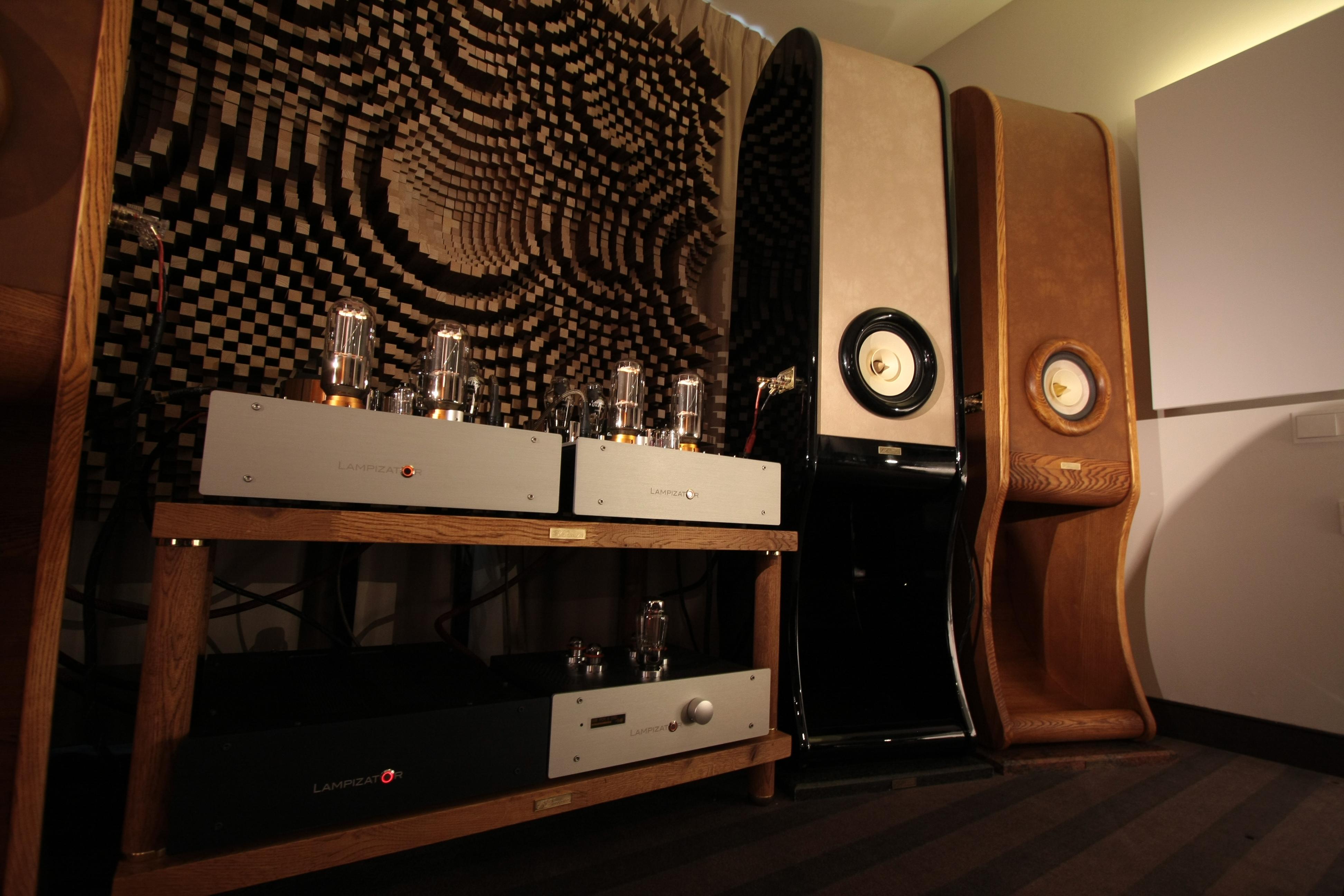 RDacoustic reproduktorové soustavy Evolution stereo 2.0, Lampizator Audio video show Waršava 2016